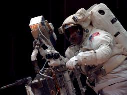 обои для рабочего стола 1024x768 космос, астронавты, космонавты