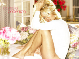 Pamela Anderson, девушки