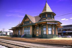 The old railway station in Acton Vale обои для рабочего стола 1700x1139 the, old, railway, station, in, acton, vale, города, здания, дома, квебек