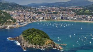 San Sebastiаn, Spain обои для рабочего стола 1920x1080 san, sebastiаn, spain, города, пейзажи, здания, атлантический, океан, побережье, остров, яхты, сан, себастьян, испания
