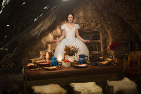 Snow White, Lily Collins