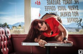 Veronica Ricci обои для рабочего стола 1920x1258 Veronica Ricci, девушки, взгляд, на, столе