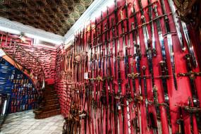 обои для рабочего стола 6048x4032 интерьер, дворцы, музеи, меч, оружие, кузнечная, барселона, испания