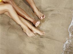 обои для рабочего стола 1600x1200 разное, мужчина женщина, пляж, песок, ноги, тату