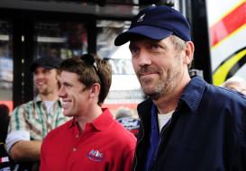 Hugh Laurie обои для рабочего стола 3000x2095 hugh, laurie, мужчины, писатель, золотой, глобус, великобритания, музыкант, актёр