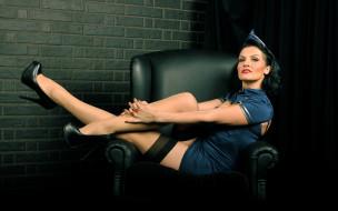 обои для рабочего стола 2560x1600 -Unsort Брюнетки Шатенки, девушки, unsort, брюнетки, шатенки, туфли, пилотка, кресло