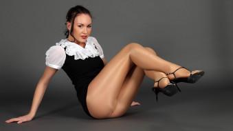 Jacquelyn обои для рабочего стола 1966x1105 -Unsort Брюнетки Шатенки, jacquelyn, девушки, unsort, брюнетки, шатенки, платье, каблуки, туфли, колготки