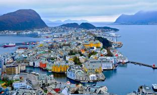 alesund, norway, города, панорамы, порт, горы, алесунд, норвегия, фьорд, здания