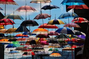 Zurich, Switzerland обои для рабочего стола 2048x1365 zurich,  switzerland, разное, сумки,  кошельки,  зонты, цюрих, зонты, switzerland, швейцария