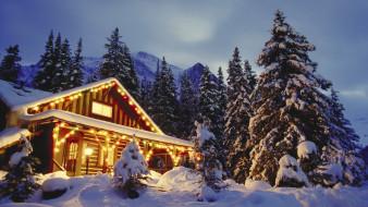 праздничные, новогодние пейзажи, дом, горы, деревья, сугробы, зима, снег, иллюминация