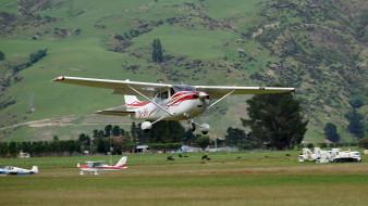 cessna 182tskylane, авиация, лёгкие и одномоторные самолёты, одномоторный, легкий, трава, поле, самолет