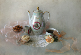 еда, натюрморт, роза, чашка, орехи, чайник