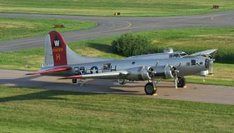 b-17 flying fortress, авиация, боевые самолёты, бомбардировщик, стоянка, аэродром