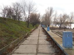 Днепровская набережная в Киеве обои для рабочего стола 2000x1500 днепровская набережная в киеве, природа, дороги, киев, дорога, днепровская, набережная, в, киеве, вдоль, днепра, осень, зима, украина