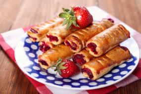 еда, пирожные,  кексы,  печенье, выпечка, клубника, сладкое, ягоды
