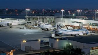 авиация, авиационный пейзаж, креатив, аэродром, обслуживание, аэропорт, вечер, огни, город, здания, фонари, самолеты