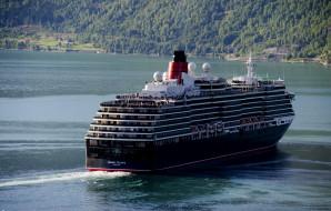 Queen Victoria обои для рабочего стола 2048x1308 queen victoria, корабли, лайнеры, лайнер, река, queen, victoria