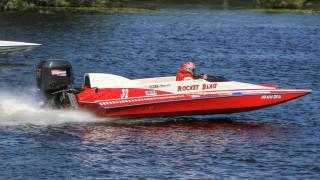 обои для рабочего стола 2048x1152 спорт, водный спорт, река, глисер, гонка