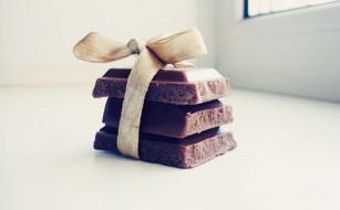 еда, конфеты,  шоколад,  сладости, окно, куски, бант, лента, плитки, шоколад