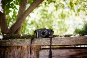 обои для рабочего стола 1920x1280 бренды, panasonic, люмикс, фотоаппарат, камера, доски, дерево, двор