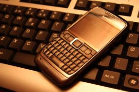 Nokia E71 обои для рабочего стола 3888x2592 nokia e71, бренды, nokia, кверти, e71, телефон, нокия, клавиатура