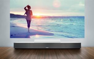 бренды, sony, сони, проектор, экран, девушка, море, закат