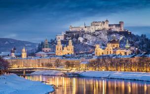 обои для рабочего стола 2880x1800 города, - дворцы,  замки,  крепости, австрия, salzburg, зима, снег, река, мост, набережная, пейзаж, дома, дворцы, гора, крепость, замок, hohensalzburg, вечер