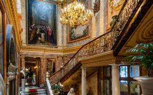 интерьер, дворцы,  музеи, колонна, люстра, лестница, испания, мадрид, музей, серральбо, картина