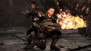 видео игры, mass effect, девушка, взгляд, фон, оружие, мужчина, взрыв