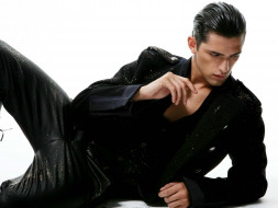 пальто, блестки, модель, парень, брюки