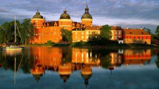 gripsholm castle,  mariefred,  stockholm,  sweden, города, замки швеции, яхта, дворец, замок, отражение, облака, небо, деревья, озеро