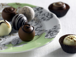 еда, конфеты,  шоколад,  сладости, ассорти, тарелка